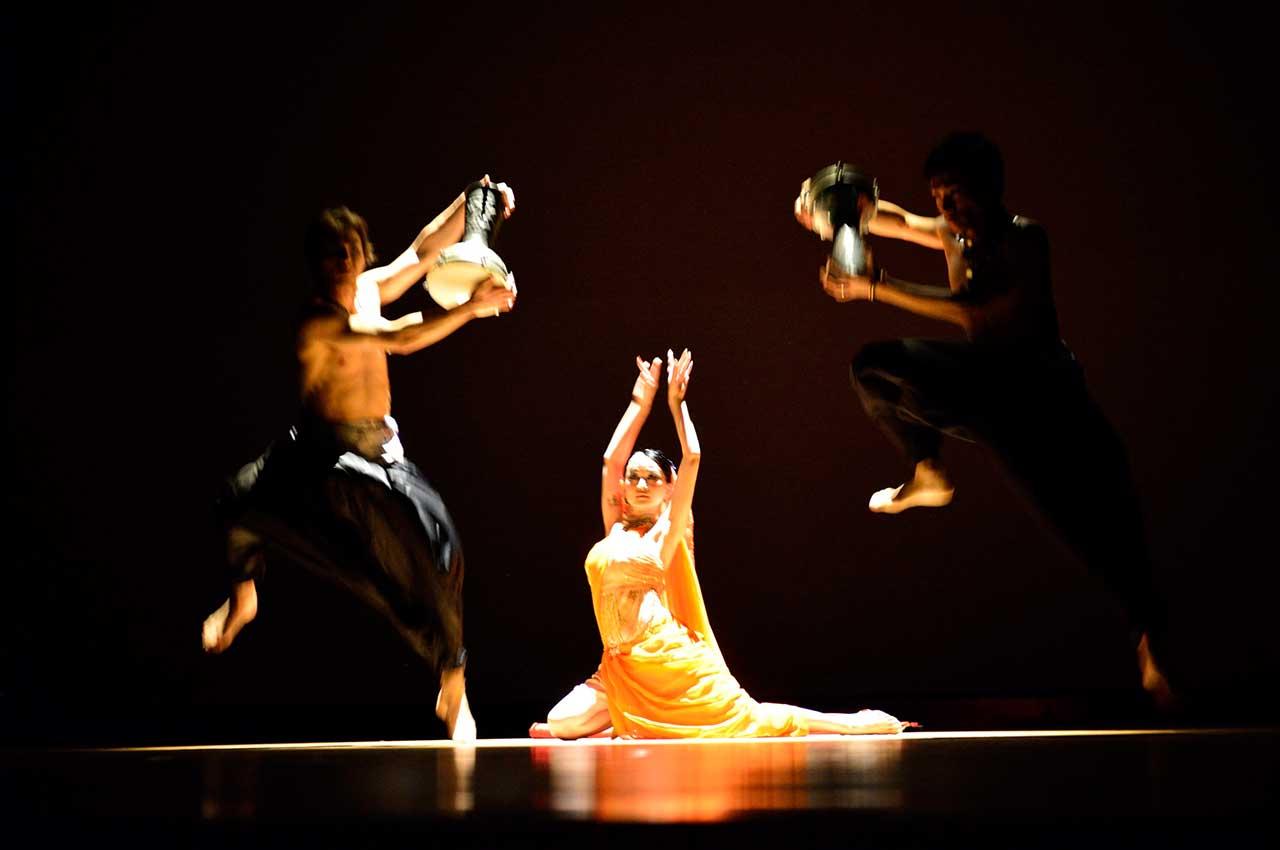 BOLLYWOOD DANCE ボリウッドダンス